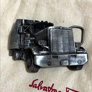🖤1977 VTG truck belt buckle